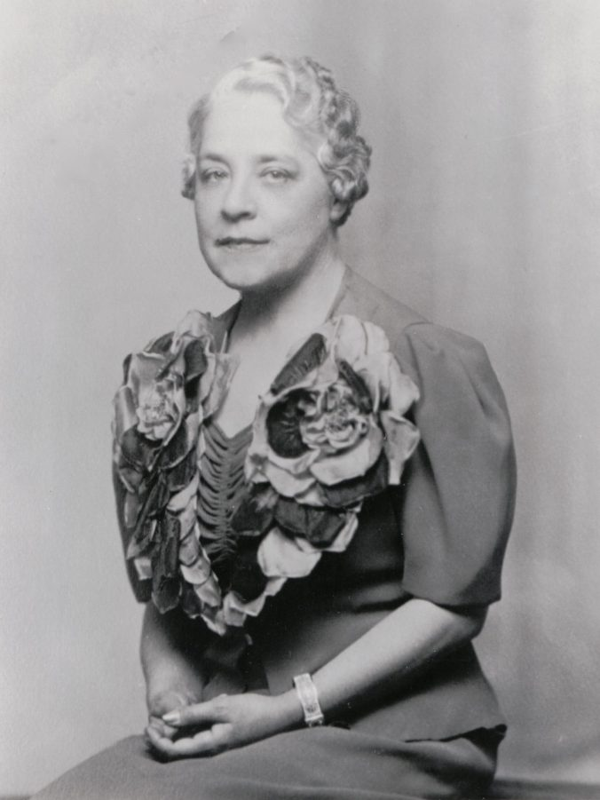 Photo of Pearl Price middle-aged