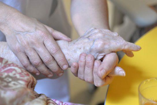 elderly-hand-size-xxlarge-promo