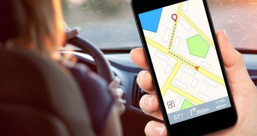 navigation-app-car-shutterstock-700px