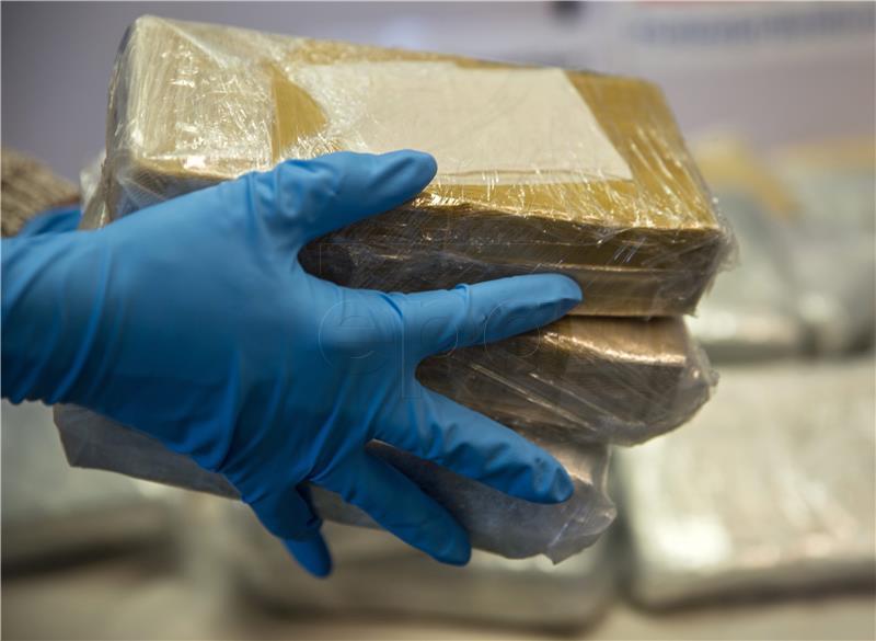 U stanu mu pronašli 1,3 kg heroina i 1,8 kg marihuane