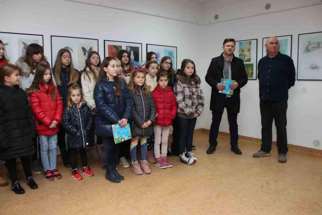 """Križevci: Otvorena godišnja Skupna izložba polaznika Škole crtanja i slikanja """"Prve hrvatske dječje galerije"""""""