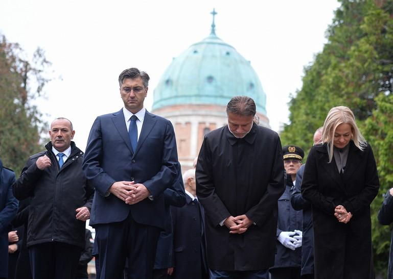[VIDEO] Državni vrh položio vijence u povodu blagdana Svih svetih i Dušnog dana