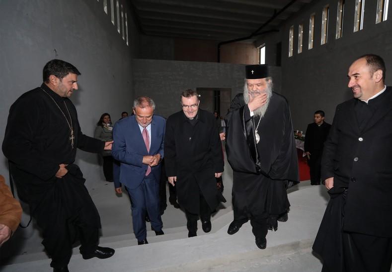 [VIDEO] Bandić u društvu Bozanića i poglavara Makedonske pravoslavne crkve obišao gradilišta vjerskih objekata