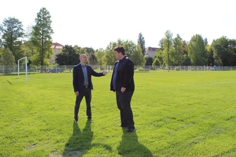 Gradonačelnik Rajn i zamjenik Šaško obišli radove na obnovi sportske infrastrukture