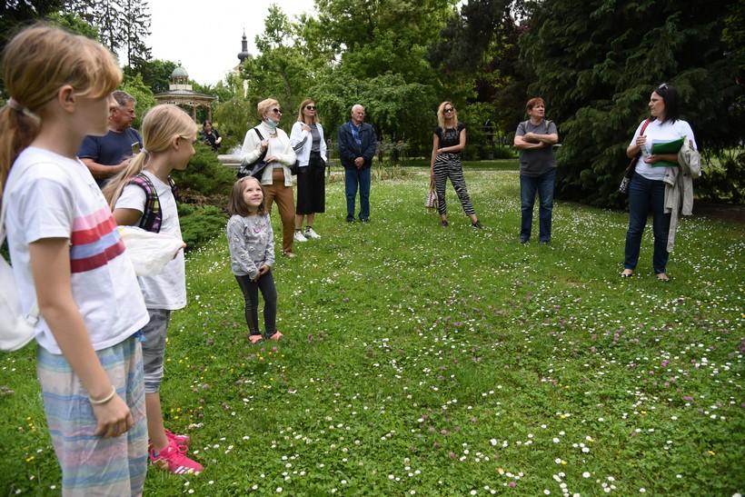 🖼️|🎦 Koprivnički Komunalac obilježio Dan biološke raznolikosti šetnjom u parku