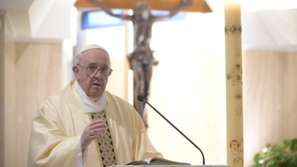 Papa poziva na pomirenje nakon otkrića dječje masovne grobnice u Kanadi