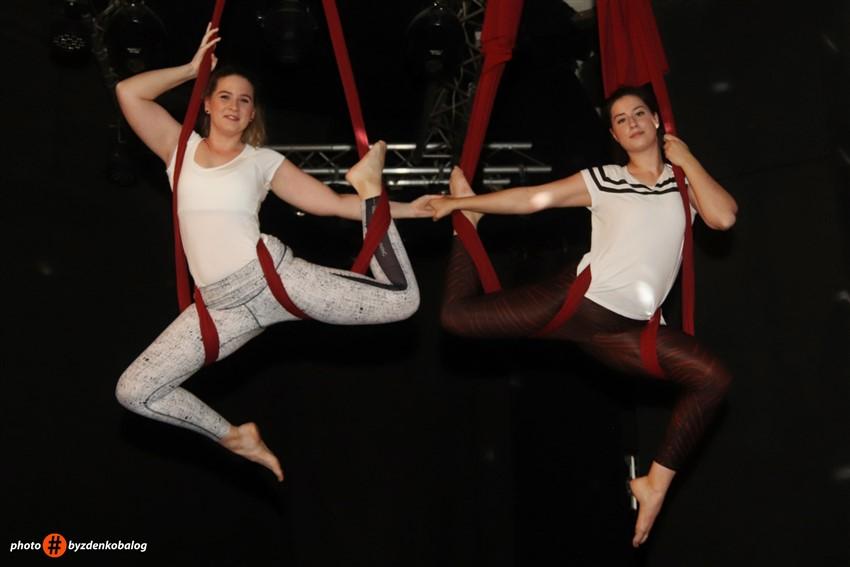 🖼️ Zračne akrobacije na svili u križevačkom Klubu kulture