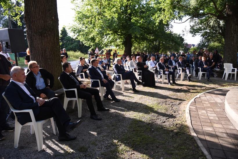 🖼️|🎦 U šumi Lug odana počast žrtvama jugokomunističkog režima / Branko Hrg: Godinama dolazim u Lug kako bi odao poštovanje žrtvama