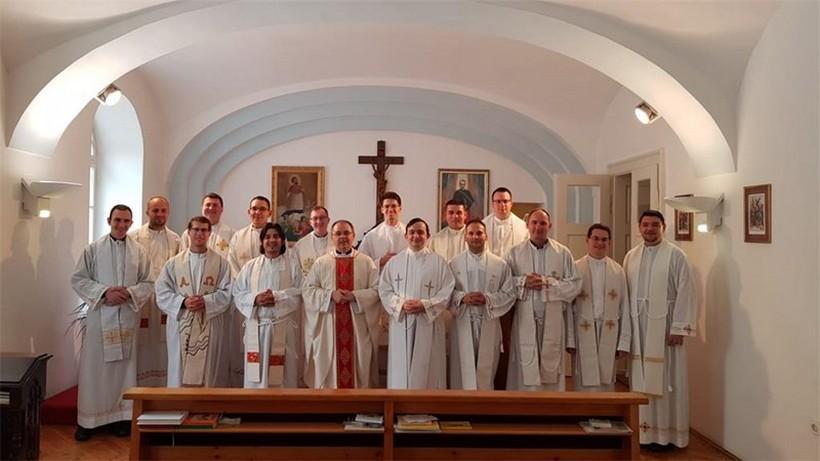 Okupili su se mladi svećenici Zagrebačke nadbiskupije, Varaždinske, Požeške i Sisačke biskupije