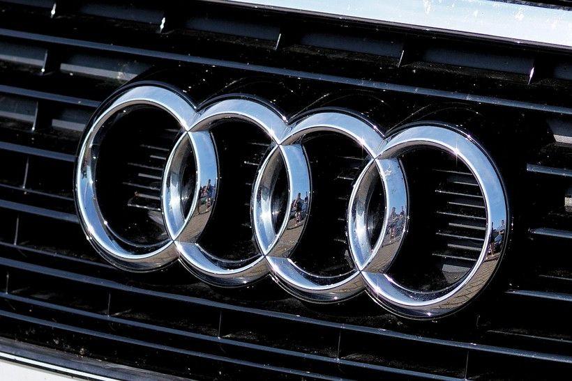Vozač Audija udario u Audi, oduzeo je prednost prolaska