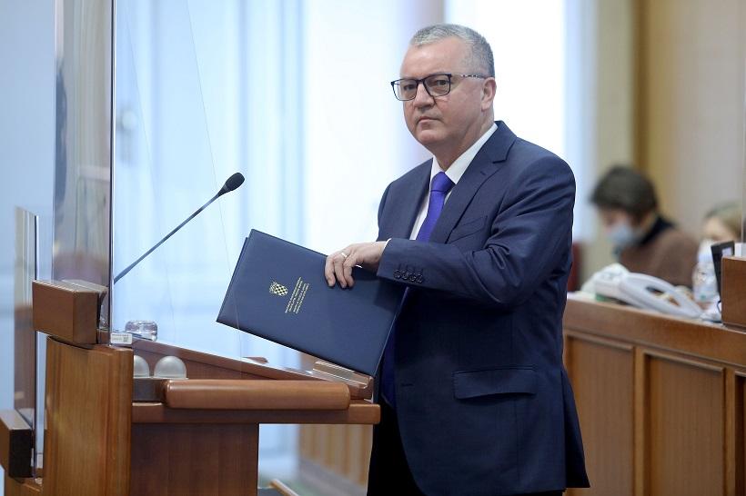 Peticija s 8000 potpisa za zaštitu uvale Vruja proslijeđena ministru Horvatu