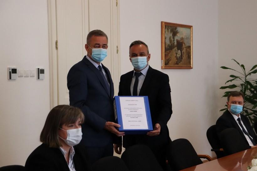 Darko Koren i Ratimir Ljubić predali potpise za kandidaturu župana i dožupana: 'Prikupili smo 4600 potpisa'