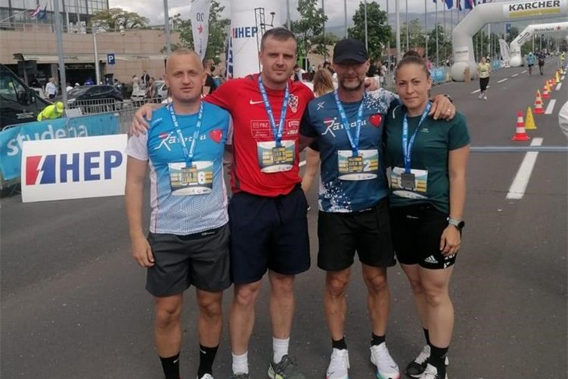 Pripadnica Interventne policije PU bjelovarsko-bilogorske Magdalena Oršić osvojila drugo mjesto na Zagrebačkom polumaratonu