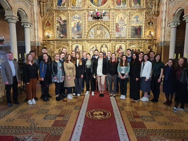 """Akademski zbor """"Palma"""" pjevao na liturgiji u grkokatoličkoj katedrali u Križevcima"""