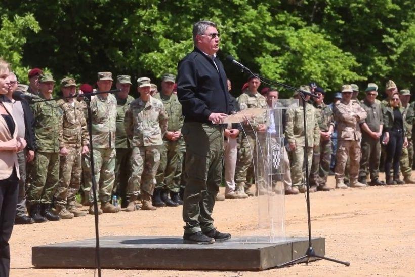 🎦 Milanović pozdravio vojsku rečenicom iz Ratova zvijezda
