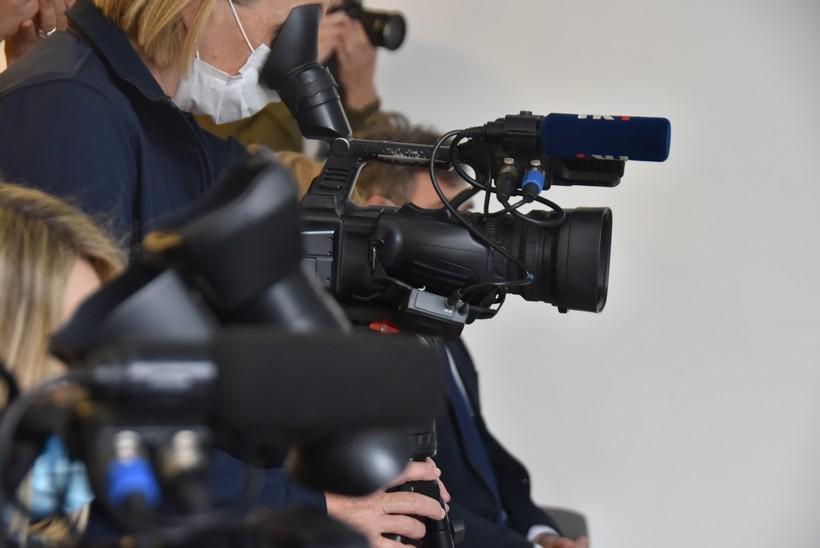 """""""Gromoglasnom tišinom"""" upozorili na sve lošiji položaj novinara"""