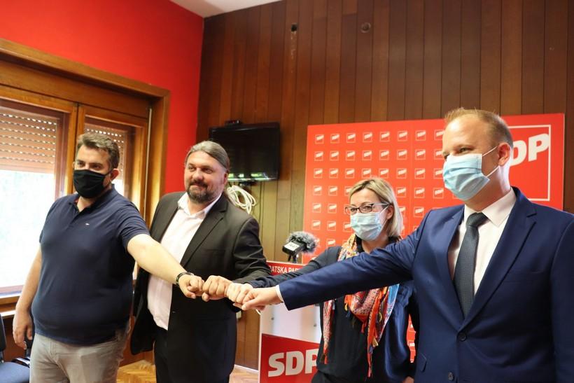 Završna konferencija kandidata za župana Mladena Kešera: 'Kampanja je bila kratka, ali drugačija'