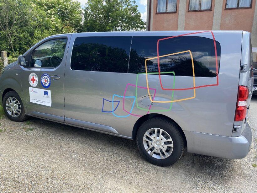 """GDCK Križevci nabavilo kombi vozilo financirano iz Europskog socijalnog fonda za potrebe projekta """"Starost nas povezuje"""""""