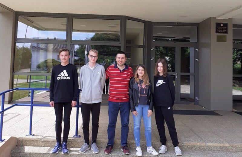 """Učenici OŠ """"Vladimir Nazor"""" Križevci razvili aplikaciju VAZUS i osvojili 2. nagradu na natječaju """"Digitalni učenički inkubator"""""""