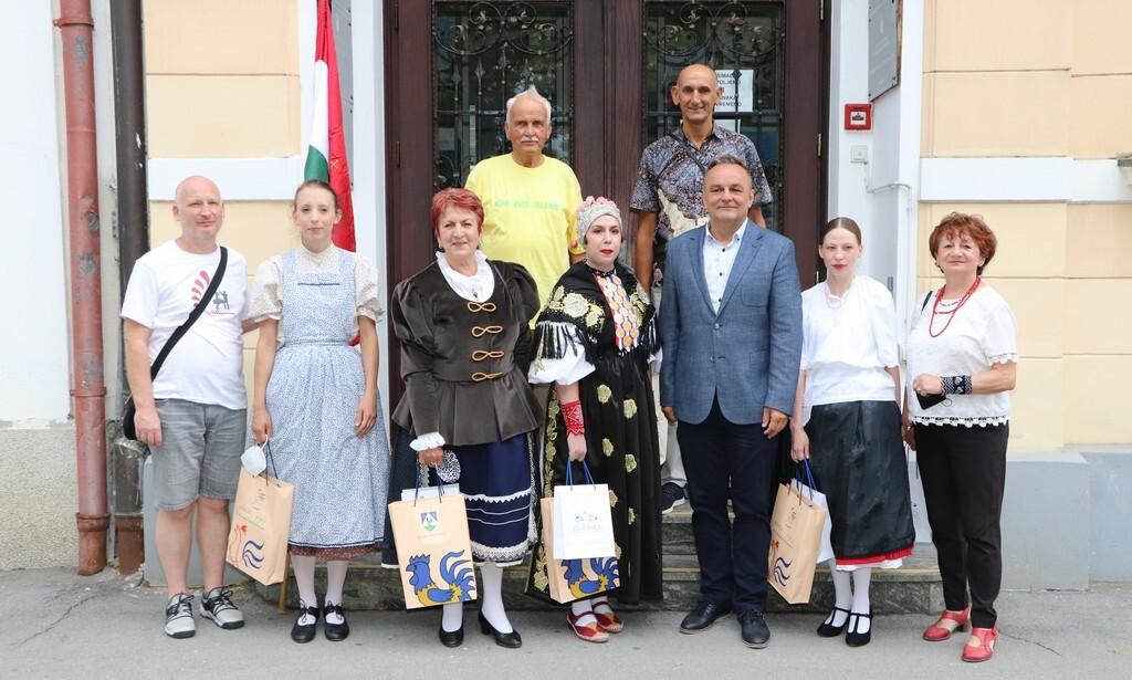 """Zamjenik Ljubić održao prijem za sudionike 14. Međunarodnog festivala folklora """"Iz bakine škrinje"""""""