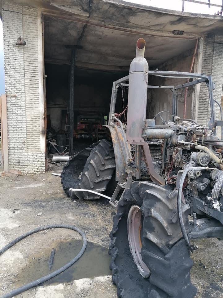 pozar traktor1