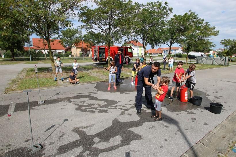 U sklopu trećeg Ljetnog kampa na Bazenima Cerine polaznici upoznati s vatrogastvom