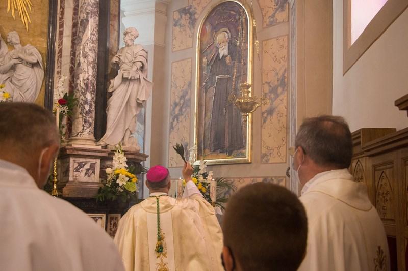 Biskup Bože Radoš blagoslovio dva nova slikoreljefa u župi u Varaždinskim Toplicama
