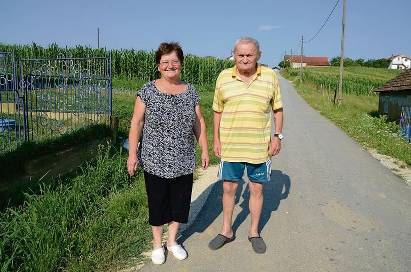 U selu su samo tri krave, ali i najsuvremenije uzgajalište papiga u Hrvatskoj te tvrtka za distribuciju pirotehnike