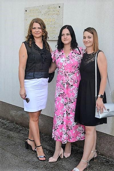 Kratka haljina, duga haljina, kratka suknja – sve im savršeno stoji