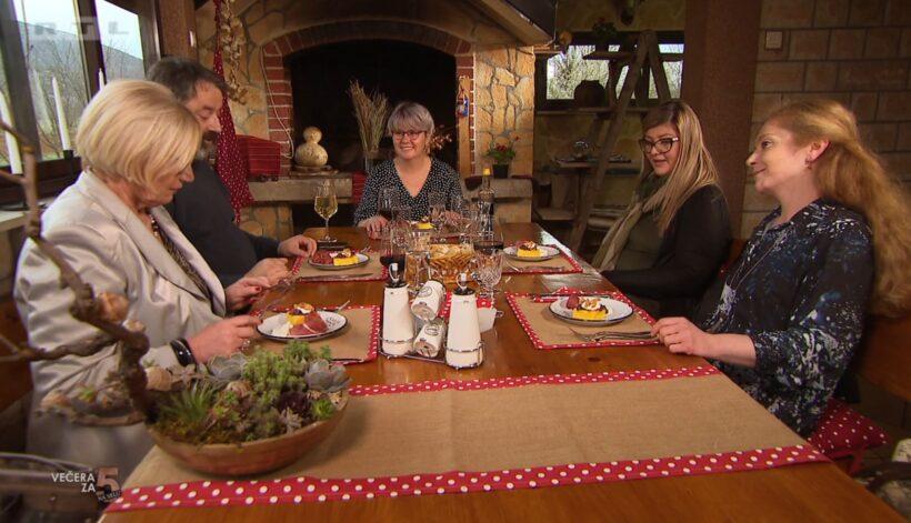 Sandra je skuhala prvu večeru, ali nije sve bilo perfektno:' Desert prežut, krumpir bljutav, ali janjetina – super!'