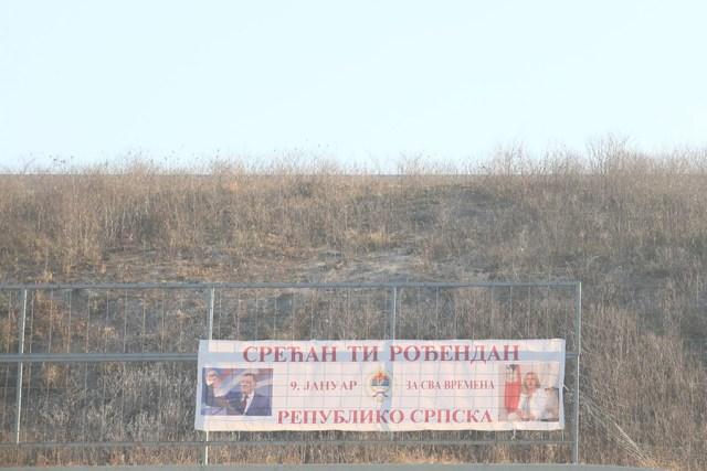 Dan Republike transparent 2 - Begić prijavio policiji postavljanje novog transparenta na auto-putu