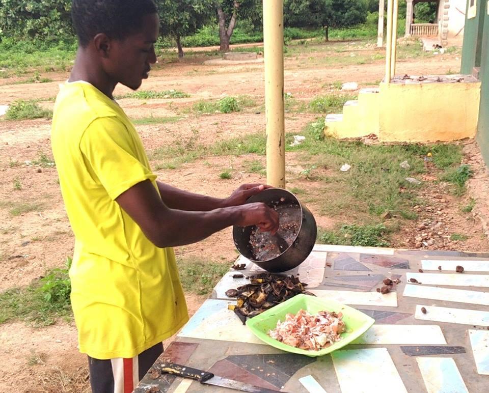 Adam_Food_Waste_Into_Organic_Manure2