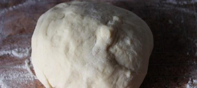 Těsto na kynuté rohlíčky s vanilkovým krémem