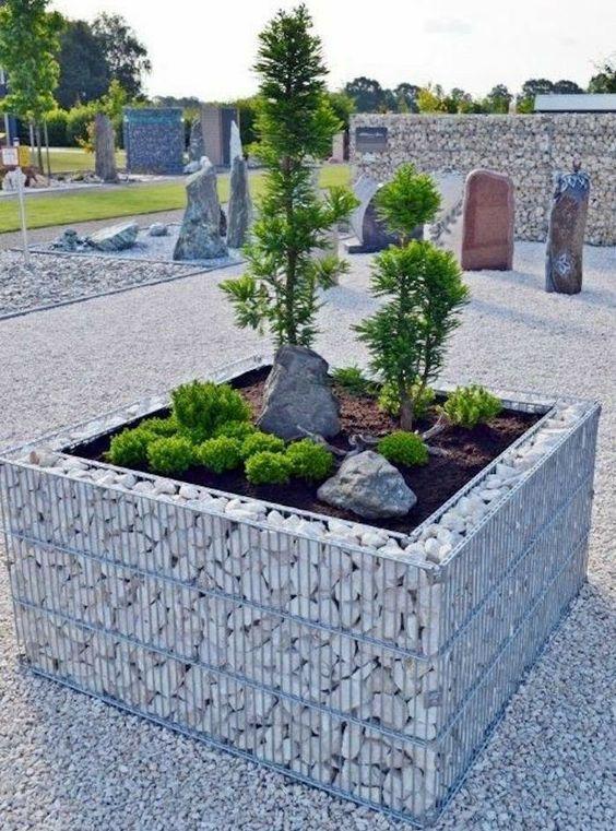 Záhradné dekorácie z kamienkov