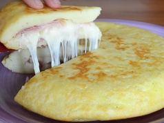 Výborná bramborová kapsa plněná šunkou a sýrem: Recept zde