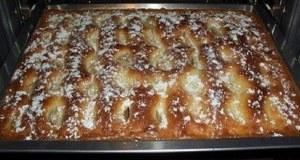Recept na jablečný koláč se zakysanou smetanou