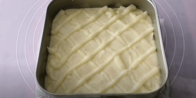 Recept na hrnkový jablečný koláč s krémem