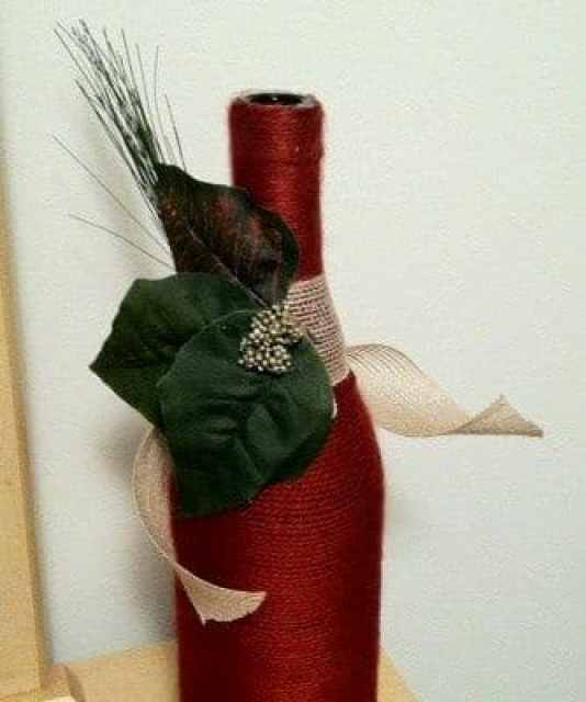 Dekorace ze skleněných lahví od vína