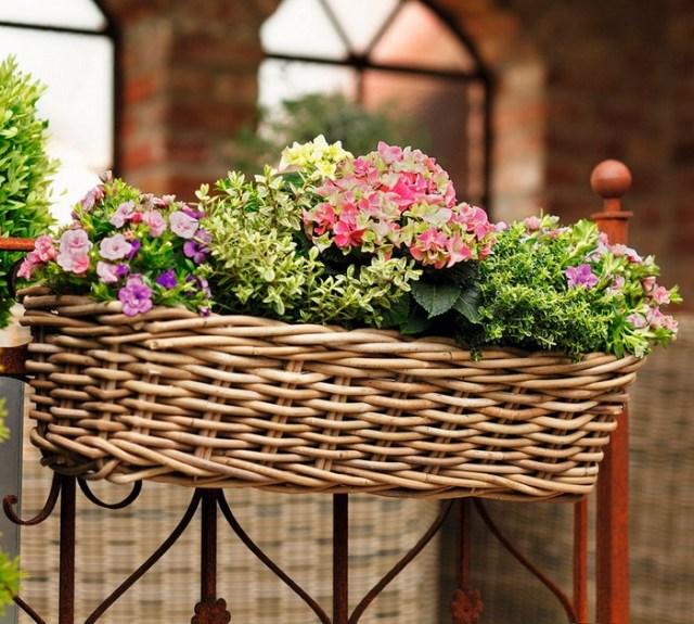 Skvělé inspirace na okenní a balkónovou výzdobu pomocí truhlíků s květinami!
