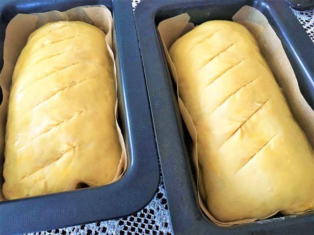 Slaný kynutý jemný chlebík s naplní