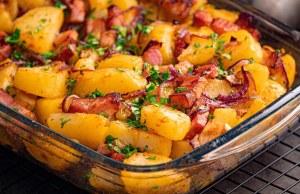 vynikající pečené brambory se slaninou – připravte si tento skvělý oběd