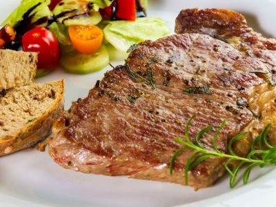 How To Season Steak 5 Different Ways For The Perfect Steak Dinner Prime 13 Woodfire Grill
