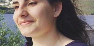 Jovem de 17 anos morre eletrocutada durante o banho
