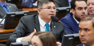 Medeiros leva demandas de Jarudore e UFR para reunião com Bolsonaro