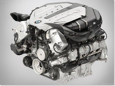 BMW REDUZIRÁ PRODUÇÃO DE MOTORES GRANDES