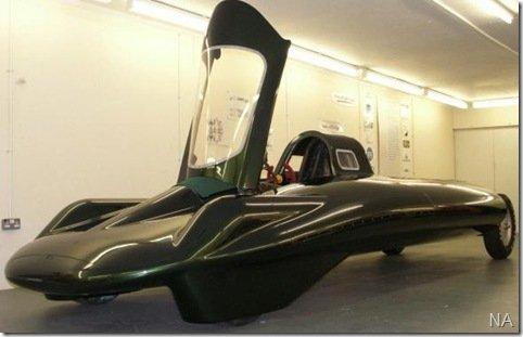 Carro a vapor tentará bater recorde de velocidade