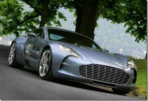 Aston Martin mostra versão definitiva do One-77 na Itália