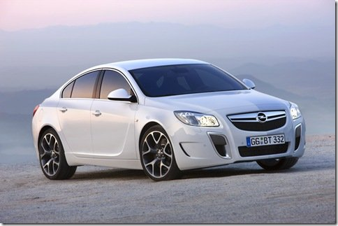 Opel apresenta oficialmente Insignia OPC