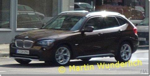 BMW X1 de produção é flagrado