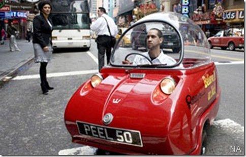 Menor carro do mundo passeia por NY